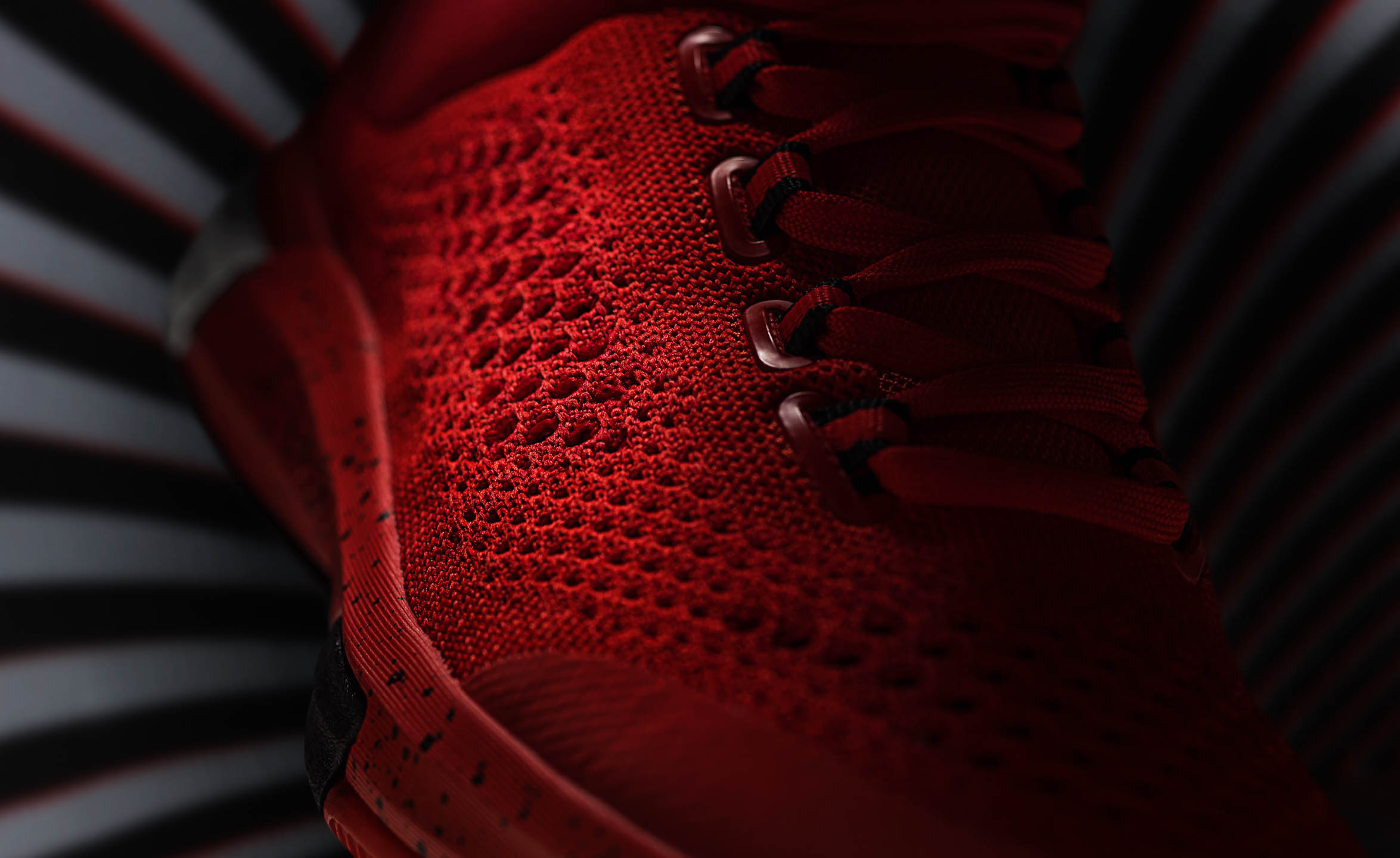 FW15_CLBOOST_PR_DETAIL2_RED_MASTER
